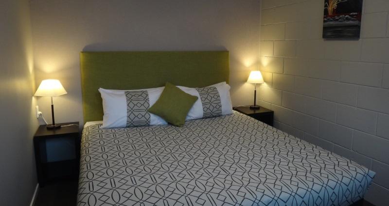 One Bedroom Queen Unit